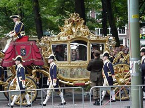picture of royal coach